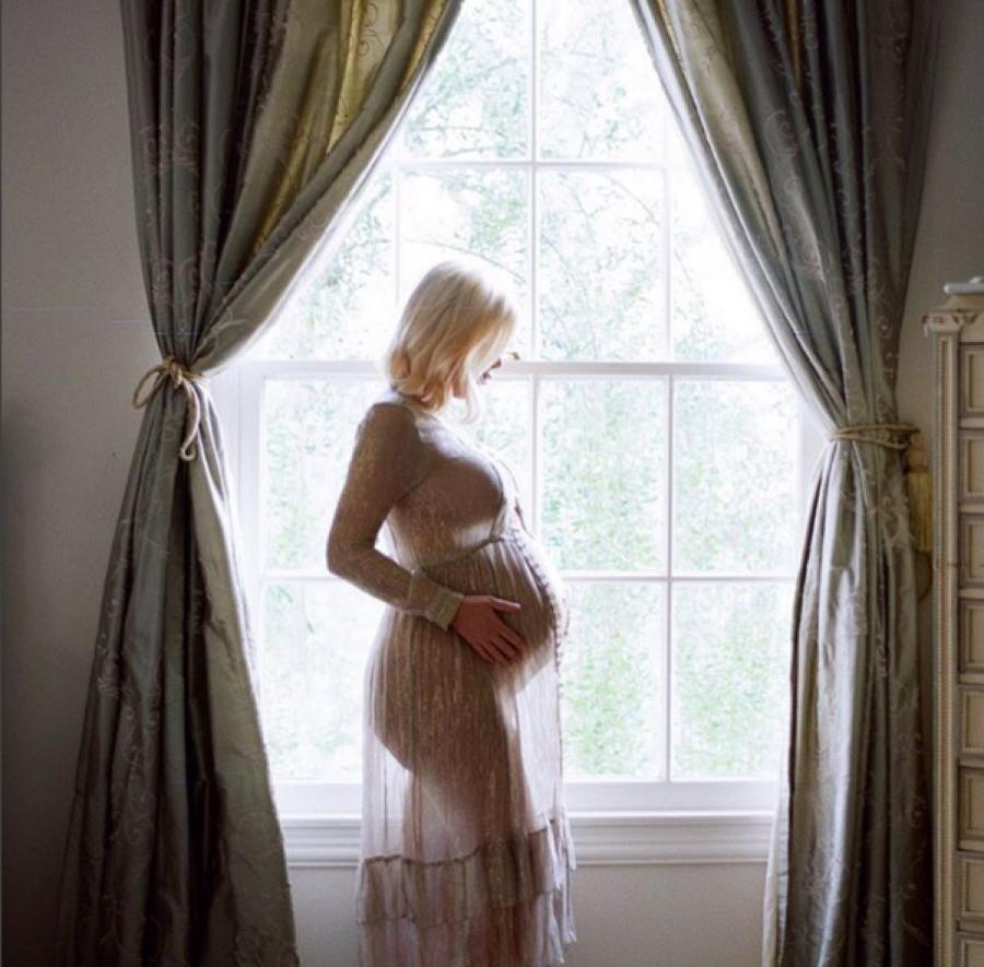 Natalie Portman y Tori Spelling ya son mamás