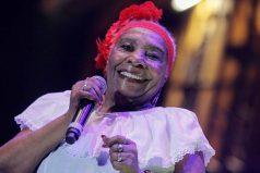 Bajo pronóstico reservado permanece la cantadora Petrona Martínez
