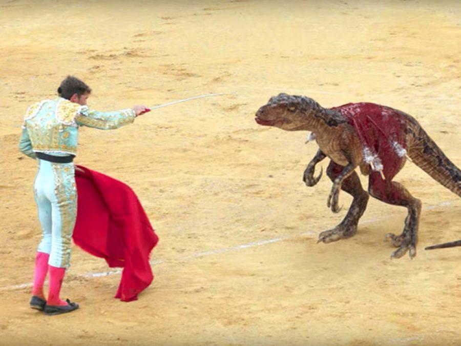 Dinosaurios por toros para lograr la campaña antitaurina perfecta